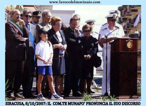 siracusa-8-10-2007-intitolazione-piazza-ai-caduti-di-capo-matapan-www-lavocedelmarinaio-com