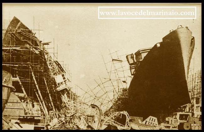 cantiere-navale-di-castellammare-dopo-lopera-di-distruzione-dei-tedeschi-www-lavocedelmarinaio-com