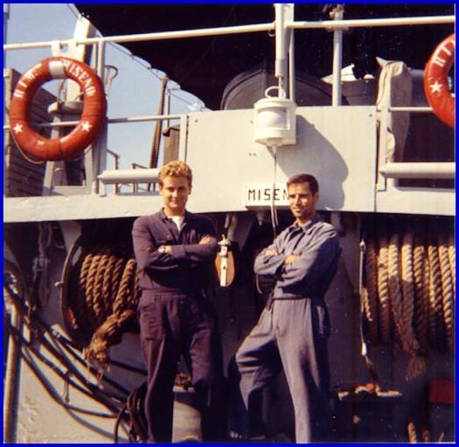 carlo-di-nitto-e-umberto-cascella-nave-miseno-1971-f-p-g-c-carlo-di-nitto-a-www-lavocedelmarinaio-com