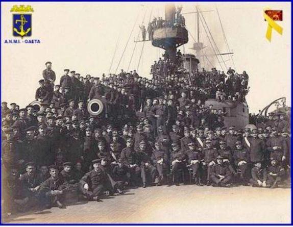 equipaggio-regia-nave-brin-f-p-g-c-carlo-di-nitto-a-www-lavocedelmarinaio-com