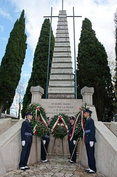 monument-ai-martiri-di-sutri-www-lavocedelmarinaio-com