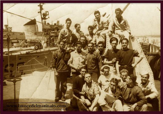 equipaggio-regia-nave-alcione-www-lavocedelmarinaio-com