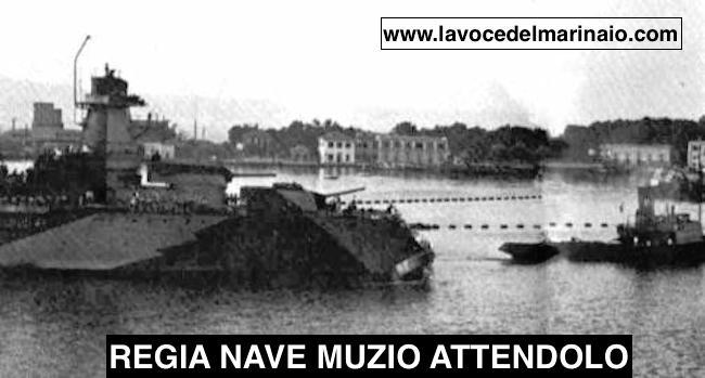 regia-nave-muzio-attendolo-nel-porto-di-messina-foto-sergio-cavacece-www-lavocedelmarinaio-com