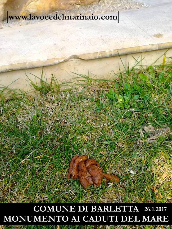 Defecazione di animali presso il monumento ai Caduti del Mare di Barletta